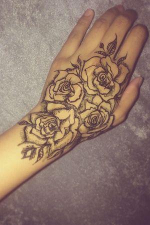 Follow me on instagram: @raeesa.azx  my own work using black henna  #rose #black #henna #mehndi #tattoo #ink #fashion #style #trend #floral #flowers