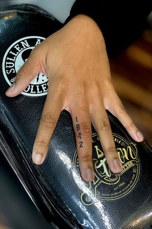 1942 #lettering #letteringtattoo #fingertattoo for Appointments text 3109010862