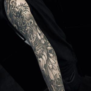 Tattoo by Fibs #Fibs #ElFibs #Japanese #illustrative #darkart #blackandgrey #dragon #chrysanthemum #flower #floral #nature