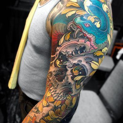 Tattoo by Fibs #Fibs #ElFibs #Japanese #illustrative #darkart #snake #reptile #animal #skull #death #chrysanthemum #flower #floral