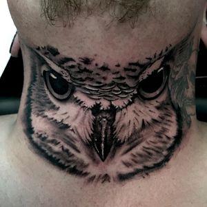 #owl #neck #brighton #killerink #uktattoo #uktta #tattoo #tattoorealistic #tattooartist #blackandgreytattoo #blackandgrey #bng #ink #bngink #bnginksociety #realism #elitecartridges #realistictattoo #realistic #realisticink #fkirons #kurosumi #worthing #lancing #kurosumiink #ezcartridgeuk #kwadron #kwadronproton @kwadron @fkirons @kurosumitattooink @ezcartridgecouk @eztattooing @tattoo.artists