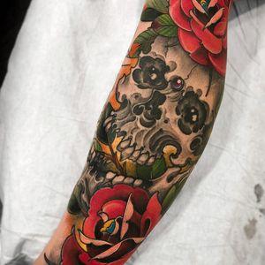 Tattoo by Fibs #Fibs #ElFibs #Japanese #illustrative #darkart #skull #death #rose #flowers #floral #leaves #nature