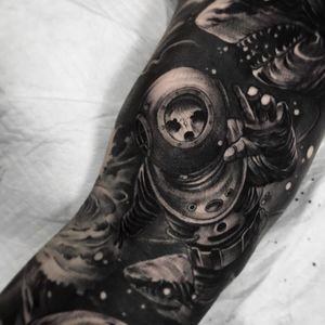 Tattoo by Fibs #Fibs #ElFibs #illustrative #darkart #blackandgrey #ocean #oceanlife #underwater #skull #death #sharks #greatwhite #waves #diver