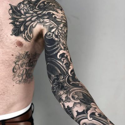Tattoo by Fibs #Fibs #ElFibs #Japanese #illustrative #darkart #blackandgrey #peony #chrysanthemum #waves #flowers #floral