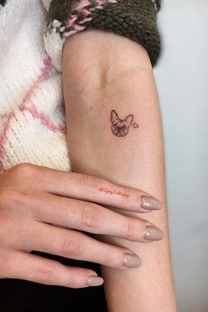 🐶 #spicytattooing #tattoolover #tattooink #tattoostagram #tattoolife #tattooflash #inkaholik #tattoolove #tattooedmen #минитату #тату #минитатумосква #москва #smalltattoo #tattoos #tattoo #ink #inked #tinytattoo #minitattoo #fineliner #insta_tatuaggi