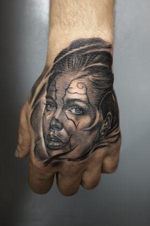 Chicano Girl #izmirdövme #tattoo #tattoos #ink #dövme #sametyamantattoos #tattooartist #design #dattatlife #bodyart #inkedup #worldfamousink #tattoomobile #TattooistArtMagazine #tattoolife #tattooing #inkedmag #tattooist #blackandgreytattoo #thebesttattooartists #blackandgrey #bngscripttattoos #cheyennefamily #cheyenneartist #cheyennetattooequipment #madeforartists #tattoomagazink