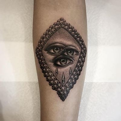 Tattoo by Alex Garcia #AlexGarcia #eyetattoos #eyetattoo #eye #anatomy #realistic #realism #strange #surreal #thirdeye #pearls #tears #blackandgrey