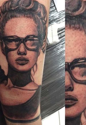 Another one of my tats done by ruchard at ravenskin #lady #model #portait