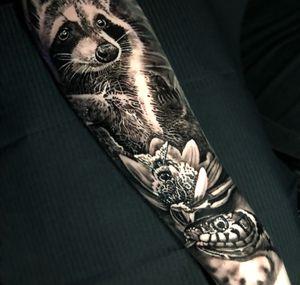 Sleeve progress #raccoon #bee #snake tiny arms !!
