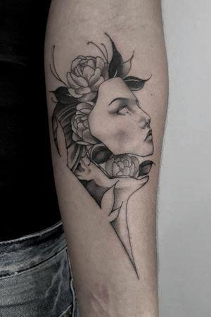 #brokenface #portrait #blackwork #flowers #armtattoo #whipshaded #3rl