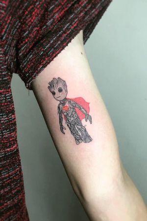 __________________________ #shiiworkstattoo #shiigram #tattooist #minitattoo #linework #lineworktattoo #tattoo #cutettattoo #tattoogirl #tattooforgirl #girlstattoo #littletattoo #cuteminitattoo #minitattooforgirls #doodle #smalltattoo #minitattooideas #cartoontattoo