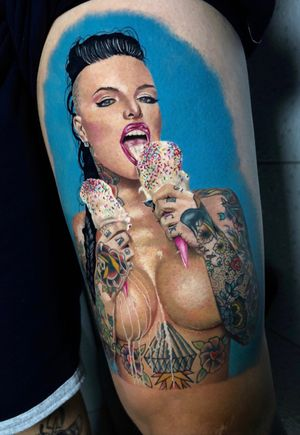 @christymack finalizada ontem, 16h de trampo em 2 dias #inkedgirls #inked #sweetgirl #tattoo #intenzepride #tattoounity #christymack #sullenclothing