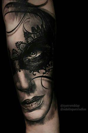 'Aphrodisiac' #ladyface #portraiture #venetianmask #blackandgrey #realism