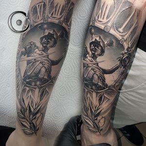 Epic start of new sleeve! #gracecraftrealism #igorsto #blackandgreytattoo #blackandgreytattoos #blackandgrey #tattoosformen #clocktattoo #warriortattoo #warrior #besttattoos #londontattoo