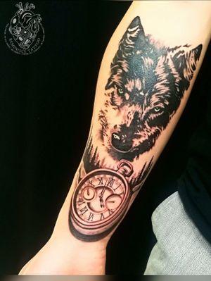 🐺⏱ #wolf #clock #tattoos #Reminisce #Reminiscetattoo #bangkok #bangkoktattoo #thaitattoo #Thailand