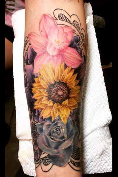 #flower #flowers #flowertattoo #sunflower #rose #crystal #lace #tattooartist #tattoo #tattoos #ink #inked #illustration #art #artist