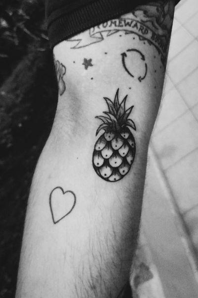 🍍 #ananas #pineapple #pineappletatto #oldschooltattoo #oldschool #oldschoolpineapple #tattooedman #tattos #tattooartist