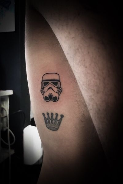 Tiny #coinsize #stormtrooper on the ribs #finelinetattoo