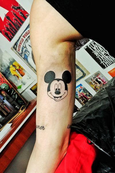 Mickey! 🐭 #mickeymouse #disney #disneytattoo #blackwork #cutetattoo #tattooideas #tattoodesign #tattooflash #tatted #voodootatts