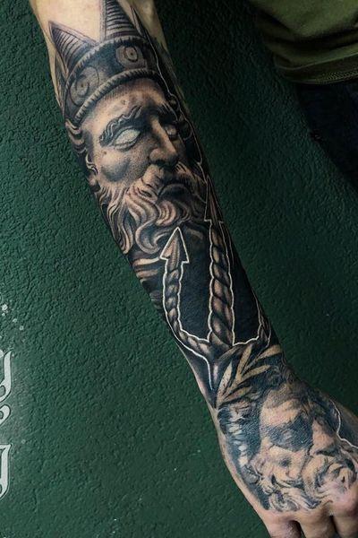 Done by @lbatattoos - Resident Artist @swallowink @iqtattoogroup #tat #tatt #tattoo #tattoos #tattooart #tattooartist #blackandgrey #blackandgreytattoo #poseidon #poseidontattoo #neotraditionaltattoo #neotraditional #roses #realistic #realistictattoo #ink #inkee #inkedup #inklife #inklovers #art #bergenopzoom #netherlands