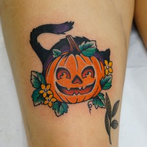 Tattoo by Andrew Mongenas #AndrewMongenas #HalloweenTattoos #Halloween #Samhain #spooky #trickortreat #pumpkin #cat #kitty #flowers #floral #leaves #nature