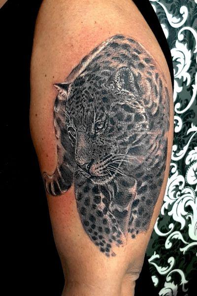 Another part of sleeve - leopard #dktattoos #dagmara #kokocinska #coventry #coventrytattoo #coventrytattooartist #coventrytattoostudio #emeraldink #emeraldinkltd #emeraldinkcoventry #leopard #leopardtattoo #animaltattoo #animal #wildanimaltattoo #tattoo #tattoos #tattooideas #tatt #tattooist #tattooshop #tattooedgirl #tattooforgirls #killerbee #immortalinnovations