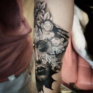 . . . .As quatro estações. . . . #tattoo #tatouage #tatuagem #blackandgraytattoo #blackandgray #realistictattoos #felipemellotattoo #kikotattoorio #riodejaneiro
