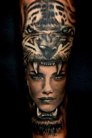 #tiger #girl #face #portrait #animal #realistictattoo #red #blackangrey #color #fkirons #tattoo #tattooink #pomezia #roma #tattoolove #tattoolife #ink #inked #switzerland #inkworld #zurich #inkmania #inkmaniatattooconvention #lovemyjo #tattootime #tattoopeople #inkboy #photooftheday #worldfamousink #tattoopeople #tattoo2me