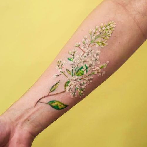 Tattoo by Magdalena Bujak #MagdalenaBujak #watercolortattoo #watercolor #painterly #fineart #painting #color #flowers #floral #leaves #nature
