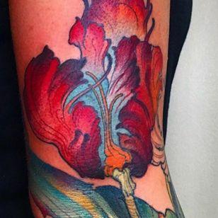 Tulip #botanical #tulip #flower #floral #arm #femaletattooartist #inked
