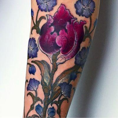 Purple Floral #botanical #floral #flower #tulip #violet #femaletattooartist #ladytattooers #sleeve #LAET