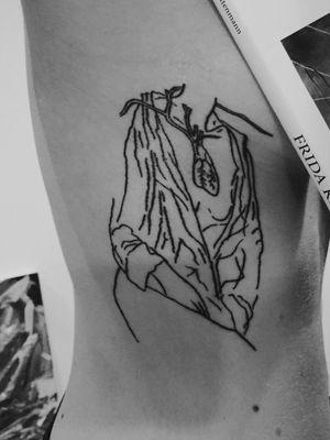 Frida kahlo #kahlo #fridakahlotattoo #art #arte #tattooart #kahlotattoo #hearttattoo #artworktattoo #girlwithtattoos #minimal #minimaltattoos