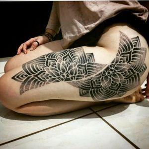 #pontilhismo #pointilism #mandalatattoo #Mandala #tattooartist #tattoo2me #tattooartistmagazine #geometrictattoo #geometry #Tattoo #Tattoo2us #GeometricTattooHunter #omfgeometry