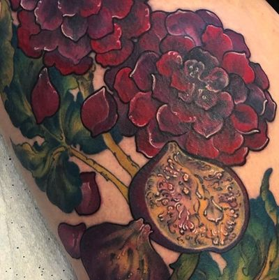 Dahlias & Figs #flower #dahlia #fruit #floral #fig #femaletattooartist #ladytattooers #nature #reds #botanical