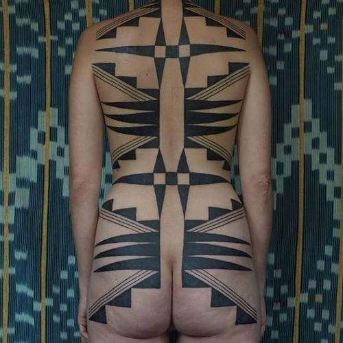 Tattoo by Victor J Webster #VictorJWebster #tribaltattoos #tribaltattooing #tribal #ancient #blackwork #pattern #linework #dotwork #shapes #abstract