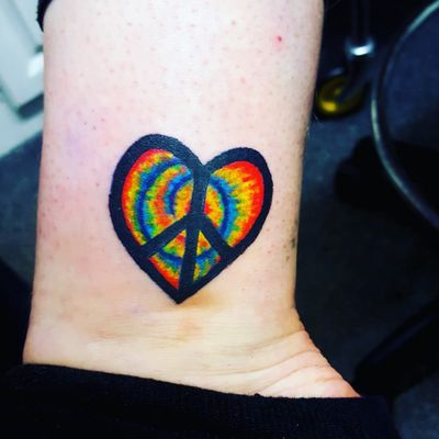 Gay pride hippy peace heart #GayPride #peace #peacesign #hippy #hippygirl #hippieatheart #hippies #Hippie #tiedietattoo #tiedye #tiedyestyle #rainbowtattoo