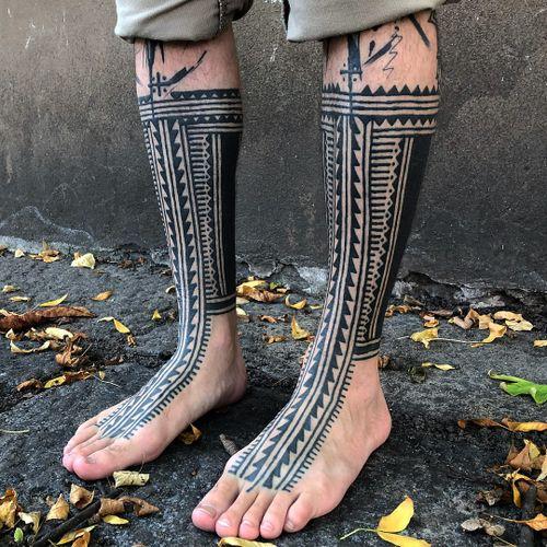 Tattoo by Haivarasly #Haivarasly #tribaltattoos #tribaltattooing #tribal #ancient #blackwork #pattern #linework #dotwork #shapes #abstract