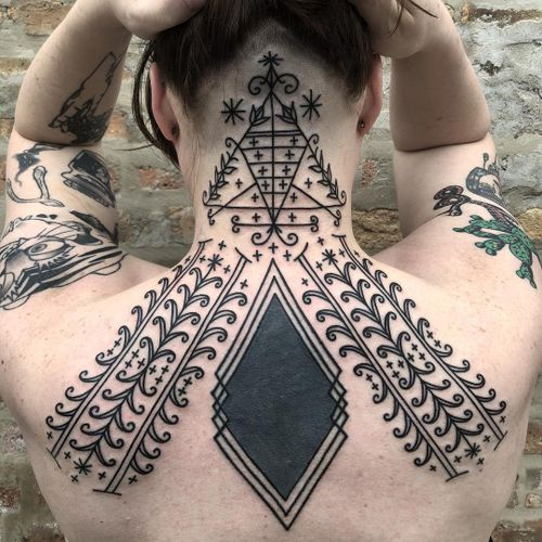 Tattoo by Tine DeFiore #TineDeFiore #tribaltattoos #tribaltattooing #tribal #ancient #blackwork #pattern #linework #dotwork #shapes #abstract