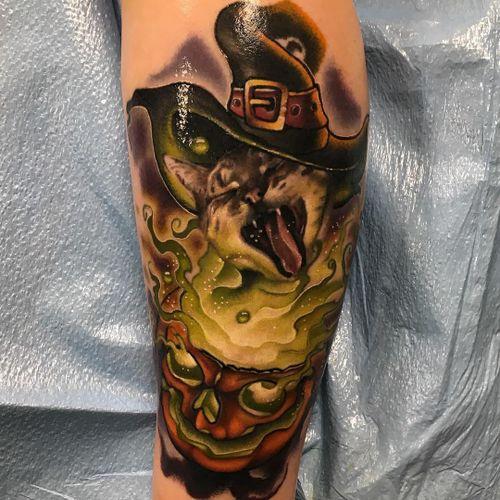 Tattoo by John Barrett #JohnBarrett #newschooltattoo #newschool #color #pumpkin #witch #kitty #cat #realism #realistic #witchesbrew #magic #smoke #sparkle #witcheshat #hat