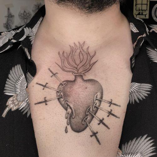 Hand Poked Tattoo done at Manomorta Tattoo Bergamo.  For info write me silviaplacenta@gmail.com  #handpoke #handpoketattoo #handpoked #sticknpoke #tattooartist #tattooitaly #tattooist #tattooitalia #Tattoodo #inked  #sacredhearttattoo