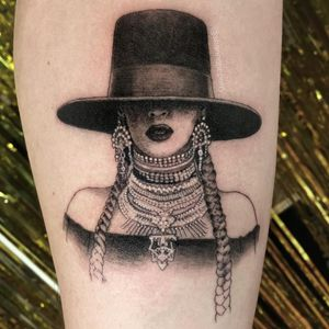 Tattoo by Shannon Perry #ShannonPerry #illustrativetattoos #illustative #realism #Beyonce #singer #musician #jewelry #braid #hat #fashion