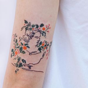 Tattoo by Gong Greem #GongGreem #illustrativetattoos #illustative #abstract #flowers #floral #portrait #sketch