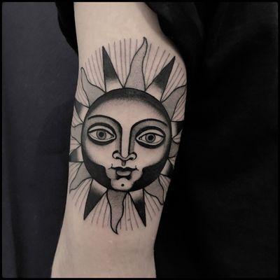 #totemica #tunguska #black #sun #astronomy #cosmic #alchemy #tattoo #bluebirdtattoo #bluebirdfirenze #florence #firenze #italy #blacktattooart #tattoolifemagazine #tattoodo #blackworkers #blackwork