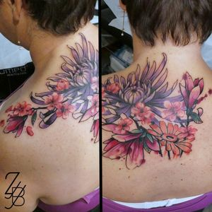 Une jolie composition florale que j'ai faite cette semaine à Genève. 🌺 🌸 🌼 🌻 #flower #flowerpower #flowertattoo #sakura #sakuratattoo #cerisier #cerisiertattoo #cherrytree #cherrytreeblossom #cherrytreetattoo #magnolia #magnoliatattoo #gerbera #gerberatattoo #crysantheme #crysanthemetattoo #chrysanthemum #chrysanthemumtattoo #zeldabjj #zeldablackjeanjacques #colortattoo #watercolortattoo