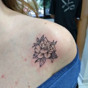 #flowertattoo #tatuagemflor #tatuagemfeminina #flortattoo #flor #flowers
