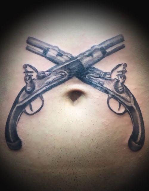 #pistolstattoo #realismtattoo #oldschooltattoo #chriskerbelistattoo #ramsteinairbase #xdreamkaiserslautern #xdreamtattoo #southcentraltattoo #kinlautern #tatted #tattedgirls #tattoogirls #tattoostyle #bishopmagi  #silverblackink #blackngrey #naveltattoo #x244 #tattoos #tattedboys