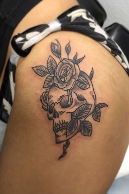 Black and Gray Skull & Rose