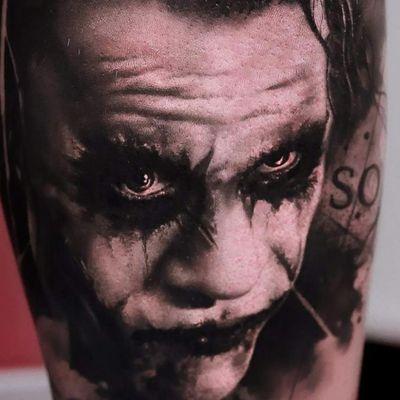 #batman #blackandgrey #realistictattoo #joker #thejoker #thejokertattoo #HeathLedger #JokerTattoos #jokertattoo #tattoo #top10