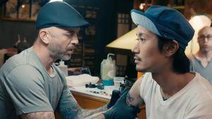 Garver tattooing Taiki #ChrisGarver #TaikiMasuda #Japanese #Japanesetattooing #residentartists #thetattooshop #miami #wynwood #tvseries #facebookwatch