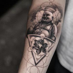 #blackandgrey #blackandgreytattoo ##blackandgreytattoos #blackartist #blackart #blackworktattoos #blackworkers #blackworkartist #blackwork #blackworkartists #tattooart #tattoodo #tattoooftheday #ink #inked #tattoos #tattooed #artwork #fineline #linework #shadetattoo #tattooartist #cooltattoos #originaltattoo #blackandgreyrealism #tattoostyle #tattoo #realismo #realismtattoo #buddhiste #budha #budhism #budhatattoo #lotus #lotusflower #lotustattoo #religion #religioustattoo #religious #japan #japanesetattoo
